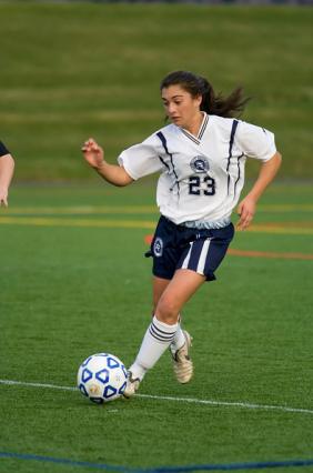 Karina Scavo jukes a defender