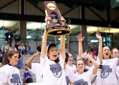 Dunleavy shows off the hardware from the 2011 National Championship