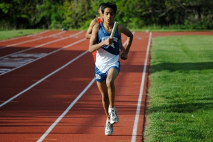 Ayan Mandal maintains the lead in the 4x800 relay