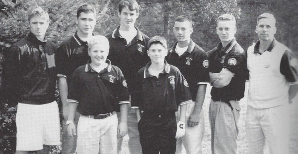 The 2003 Golf Team (Schwenk: 1st on L)