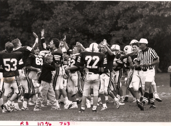 The '89 Bears celebrate a victory