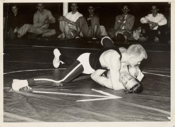 Woods looks for a pin at the Ivy Championships
