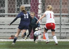 Pappas eyes one of her 14 saves