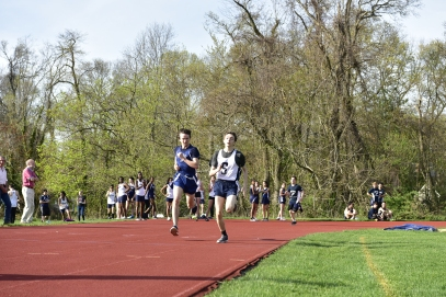 Dubroff beats out Ross for 3rd in the 400m