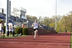 Detwiler anchors the winning 4x100m relay
