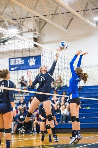 Hannah Detwiler elevates for the shot (PC: Bruce Jeffrey)